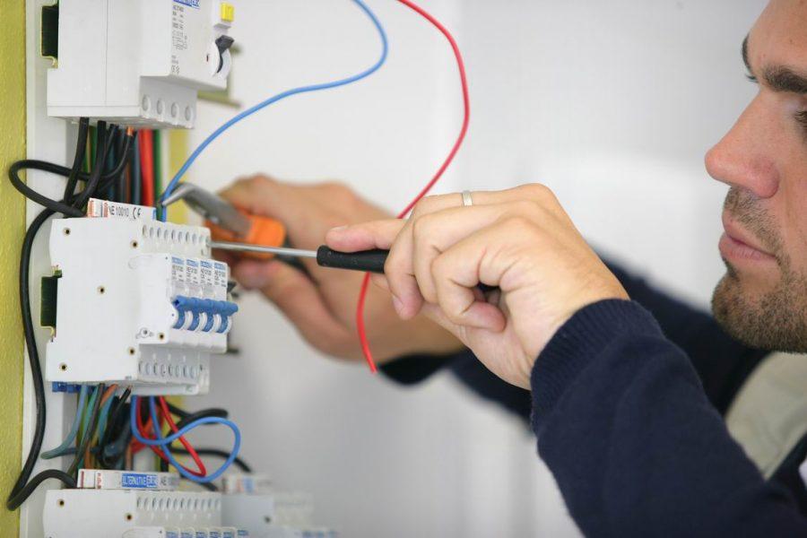 EDF Paris : quelles sont les astuces pour réduire ses factures d'électricité ?